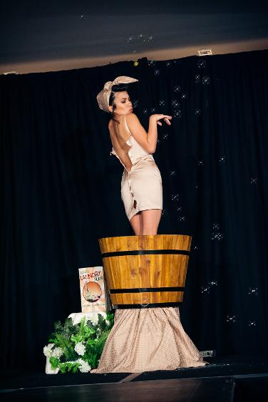 Jazida-Australian-Burlesque-Canberra-Dancer-Washer-Woman
