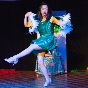 Jazida-Australian-Burlesque-Canberra-Dancer-quickchange-christmas